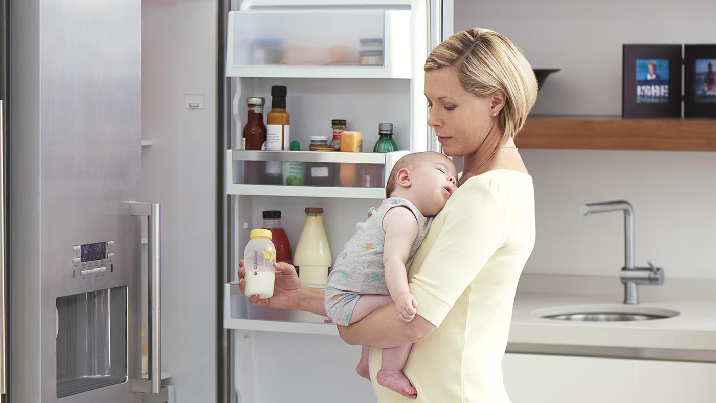 Кормление ребенка сцеженным грудным молоком