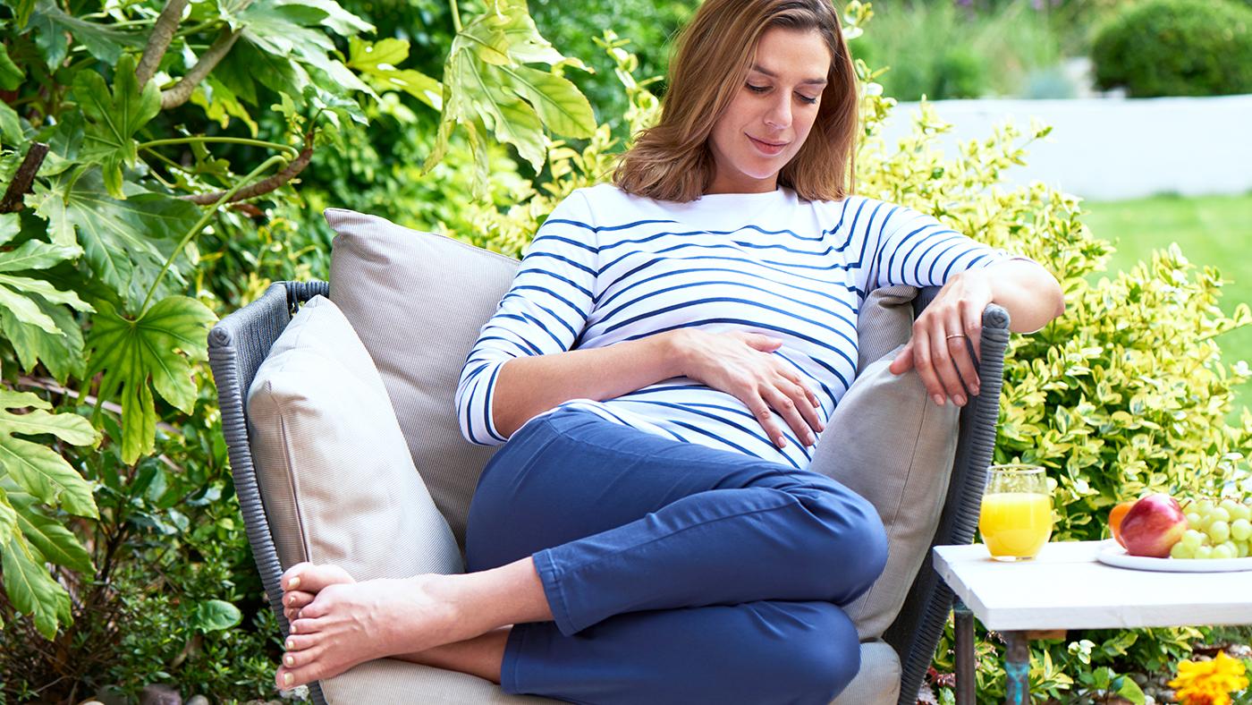 На каком сроке беременности увеличивается грудь